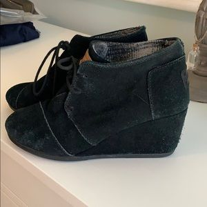 Toms Black booties size 7